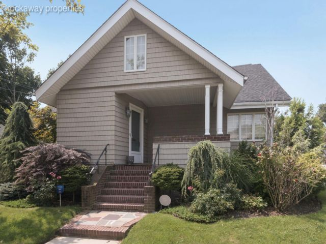 3 BR,  4.00 BTH  style home in Neponsit