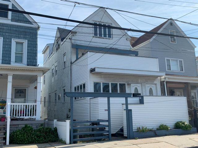4 BR,  3.00 BTH  style home in Rockaway Beach