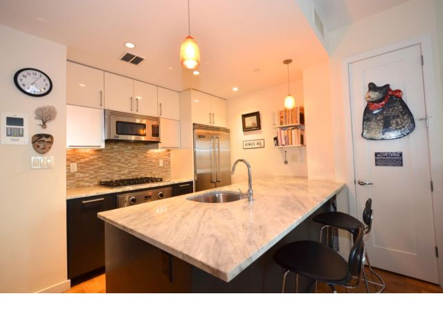 2 BR,  2.00 BTH  Condo style home in Park Slope