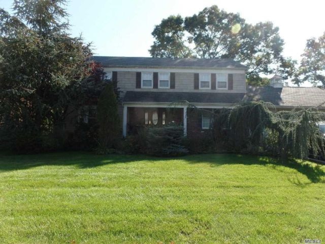 5 BR,  2.50 BTH  Colonial style home in Amity Harbor