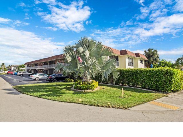 2 BR,  2.00 BTH Condo style home in Pompano Beach