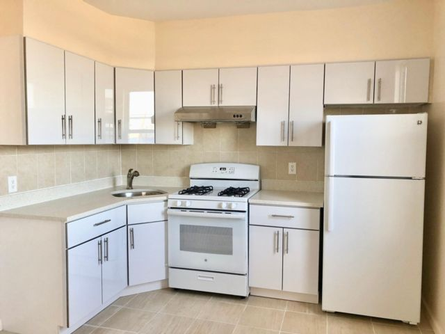3 BR,  1.00 BTH Apartment style home in Rockaway Park
