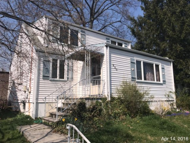 4 BR,  2.00 BTH Cape style home in Garwood