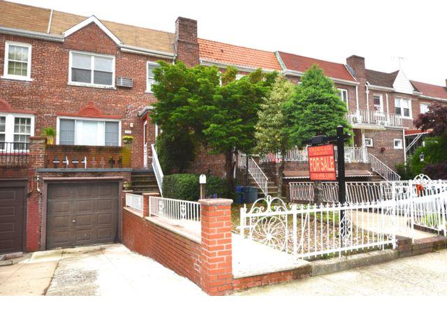 3 BR,  1.50 BTH Duplex style home in Marine Park