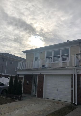 5 BR,  1.55 BTH 2 story style home in Rockaway Park