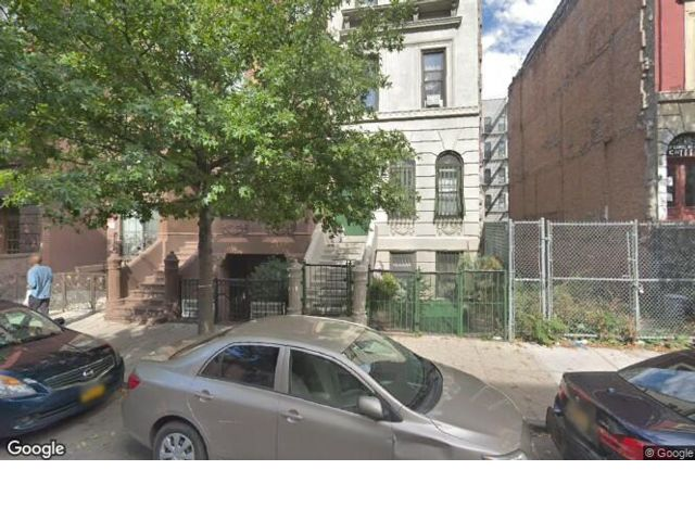 6 BR,  7.00 BTH  Townhouse style home in New York