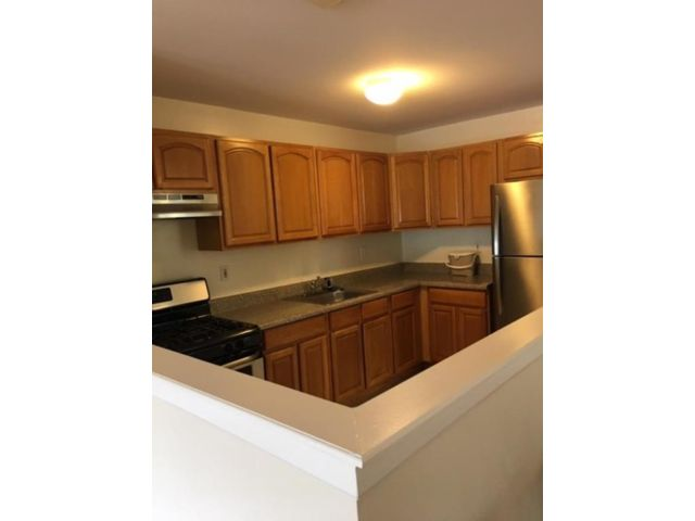 3 BR,  1.00 BTH  Apartment style home in Rockaway Beach