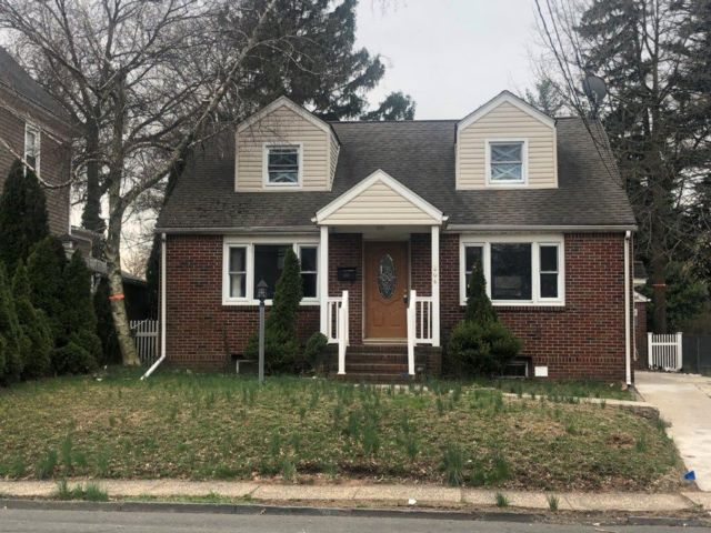 3 BR,  1.00 BTH Cape style home in Roselle Park