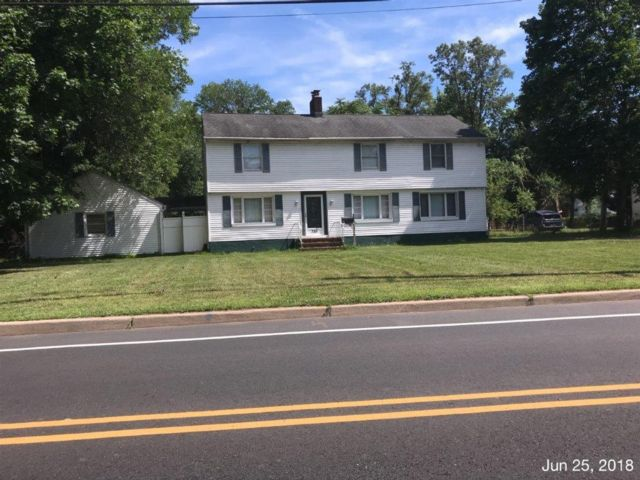 4 BR,  3.00 BTH Colonial style home in North Plainfield