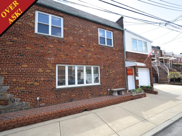 3 BR,  1.50 BTH   style home in Gravesend