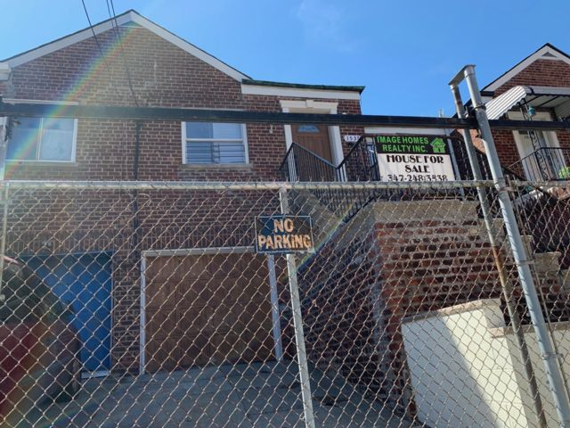 5 BR,  2.00 BTH 2 story style home in Bronx