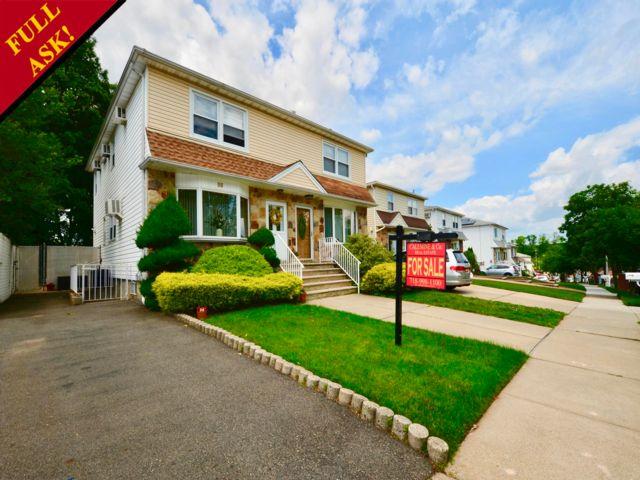 3 BR,  1.50 BTH Duplex style home in Great Kills