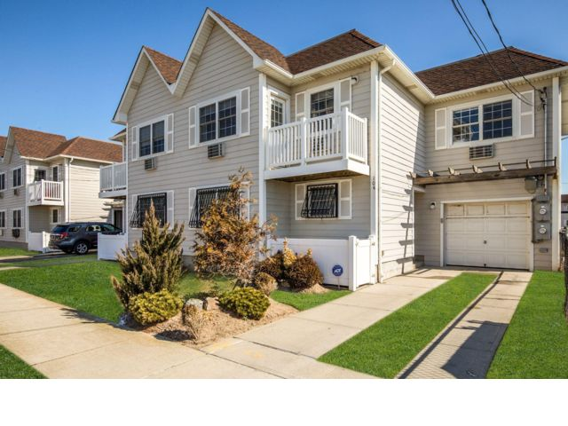 2 BR,  3.00 BTH  Condo style home in Arverne