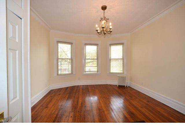 3 BR,  1.00 BTH Apartment style home in Homecrest