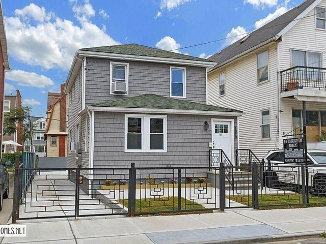5 BR,  3.00 BTH 2 story style home in Rockaway Park