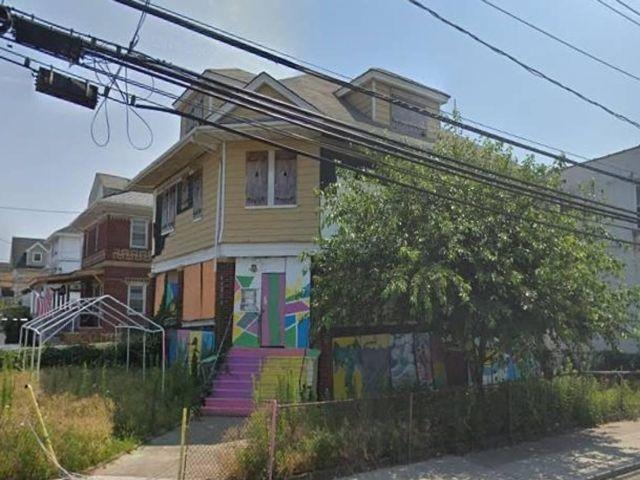 Studio,  0.00 BTH  style home in Rockaway Park