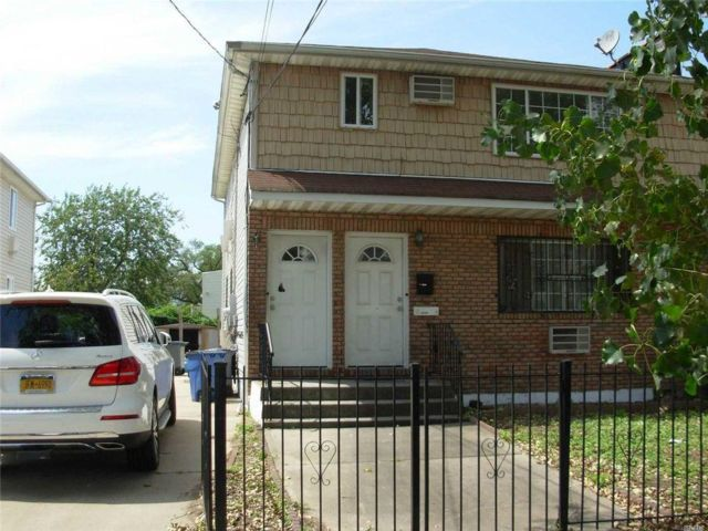 6 BR,  2.00 BTH Duplex style home in Arverne