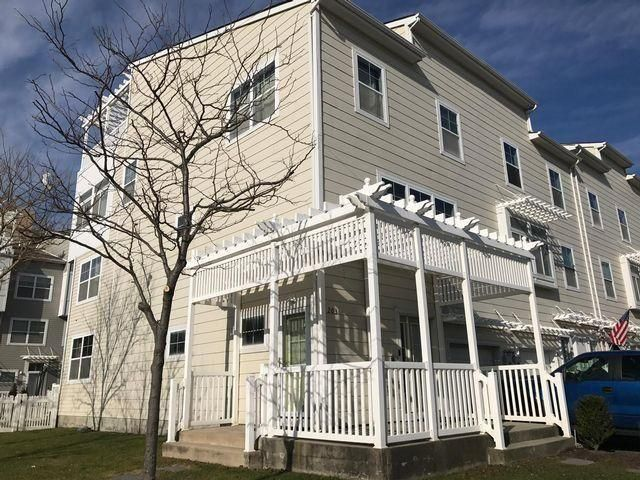 5 BR,  3.50 BTH Contemporary style home in Arverne