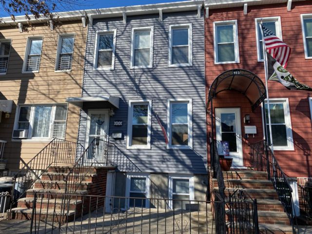 3 BR,  2.00 BTH  style home in Windsor Terrace