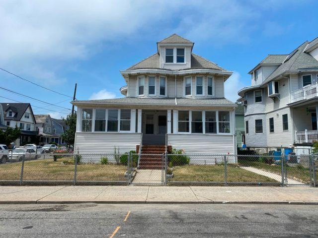 4 BR,  3.00 BTH  style home in Rockaway Park