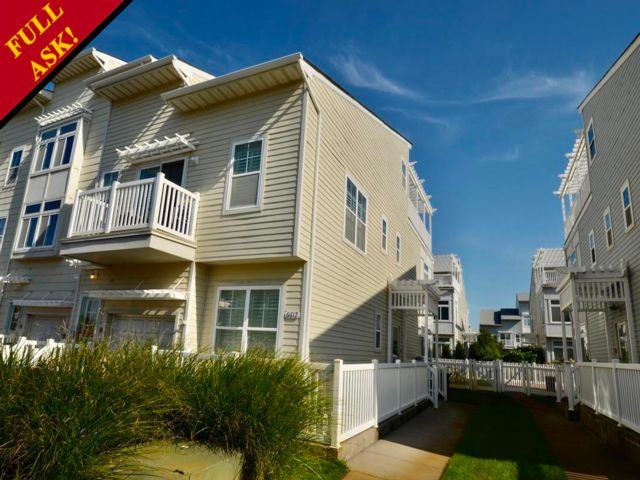 3 BR,  2.50 BTH  Triplex style home in Arverne By The Sea