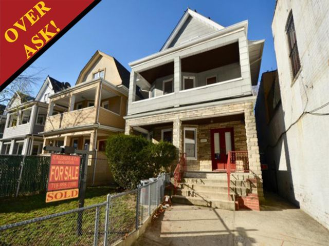 8 BR,  3.50 BTH   style home in Midwood