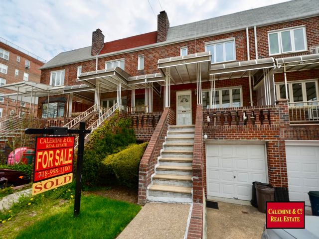 3 BR,  2.50 BTH  style home in Sheepshead Bay