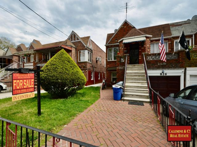 5 BR,  2.00 BTH  2 story style home in Sheepshead Bay