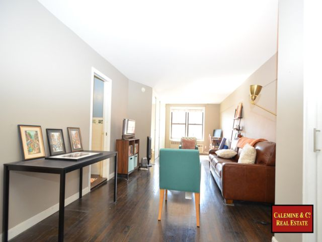 1 BR,  1.00 BTH Co-op style home in Kensington