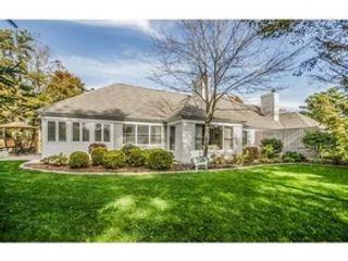 4 BR,  2.50 BTH Single family style home in Virginia Beach