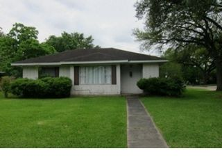 4 BR,  2.00 BTH  Traditional style home in Baytown