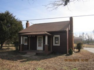 1 BR,  1.00 BTH  Single family style home in