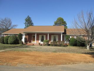 5 BR,  3.50 BTH Single family style home in Land O Lakes