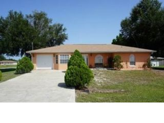 3 BR,  2.50 BTH Ranch style home in Sycamore
