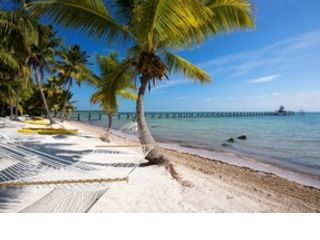 7 BR,  6.00 BTH  Multi-family style home in Sugarloaf Key