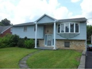 4 BR,  3.50 BTH Single family style home in Kingwood