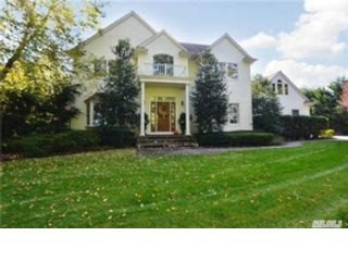 5 BR,  3.50 BTH  Colonial style home in Greenlawn