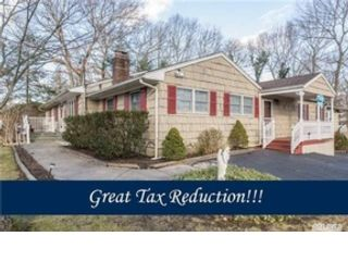 3 BR,  2.00 BTH  Colonial style home in Baldwin