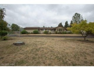 4 BR,  2.50 BTH 2 story style home in Sherwood