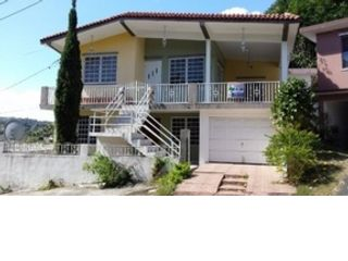 7 BR,  3.00 BTH  Single family style home in Aguada