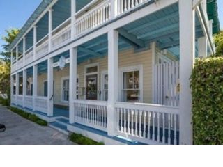 14 BR, 14.00 BTH  Building style home in Key West