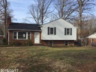 3 BR,  2.00 BTH  Tri level style home in Richmond