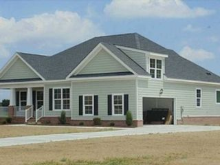 4 BR,  3.00 BTH Contemporary style home in Chesapeake