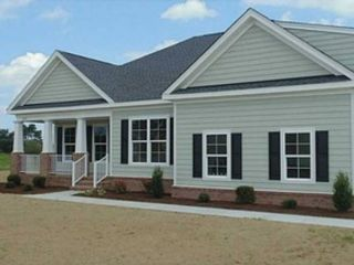 4 BR,  2.50 BTH Contemporary style home in Virginia Beach