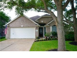 3 BR,  2.00 BTH Single family style home in Hillsboro