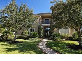 4 BR,  4.00 BTH Traditional style home in Sugar Land