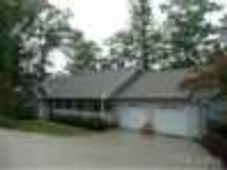 5 BR,  2.50 BTH  Single family style home in Lake in the Hills