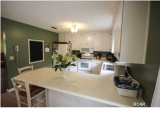 3 BR,  3.50 BTH Ranch style home in Syosset