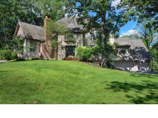 5 BR,  6.50 BTH Single family style home in Burr Ridge