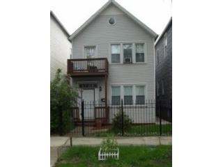 3 BR,  4.50 BTH Single family style home in Chicago